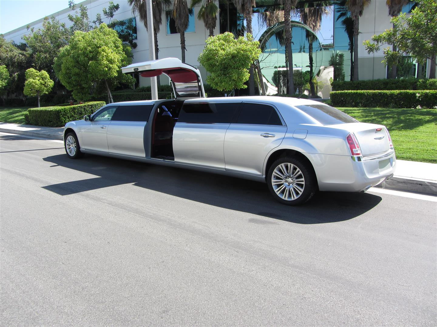 A Touch of Silver Limousines - Romantic Wedding Style